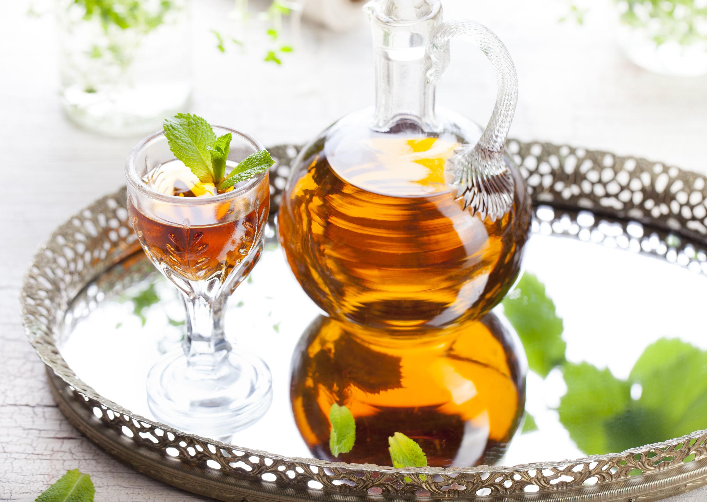 美肌、風邪予防にも◎身体の芯から温まる「ハーブ酒」3つ