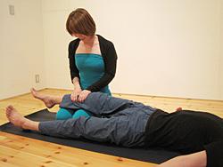 骨盤・腸腰筋をゆるめるワーク