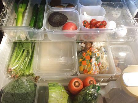 冷蔵庫収納のコツ!野菜室、調味料がすっきりするアイデア♪整理グッ