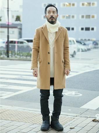 スッキリとタイトな冬の装いにノースフェイスのブーツを合わせたコーデ。アウトドア感のないコーディネートでも合わせやすいですね!