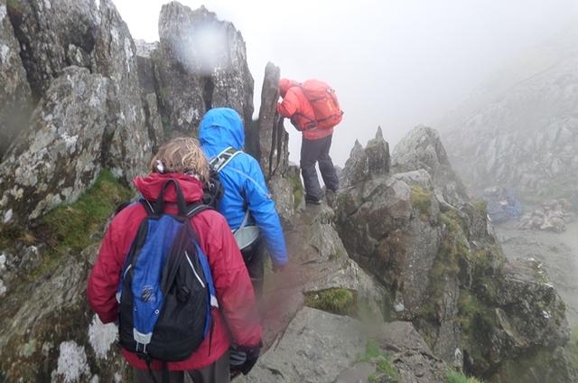 """登山の""""雨対策""""は大丈夫?初心者必見の注意点と対策グッズまとめ"""