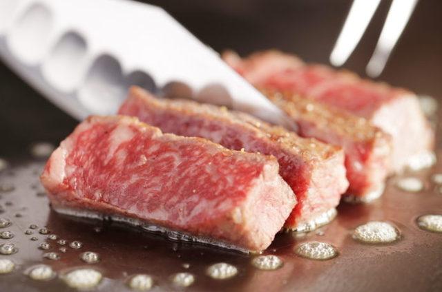 キャンプ&BBQで盛り上がる「赤身肉」のおいしい焼き方♪