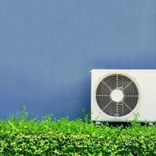エアコンの室外機に日除けをつけて電気代節約。効果は?