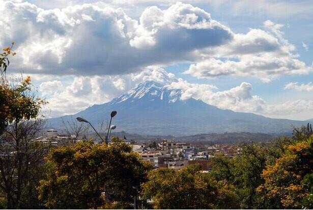 南米にエベレストを上回る世界最高峰がある!?