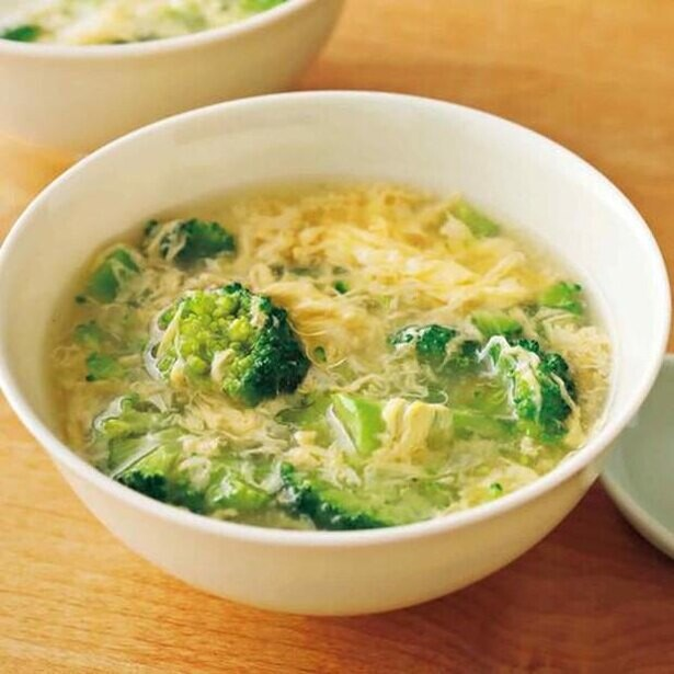 汁ものを時短でプラスするなら…材料2つでふわふわ卵スープ