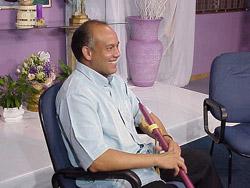 2004 年ブラジルでTV 収録時のポール・デスーザさん