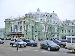 1860 年にオープンの歴史あるマリインスキー劇場