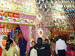 光の祭り「ティハール(Tihar)」の飾り道