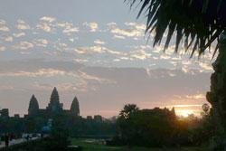カンボジア、アンコールワットの日の出