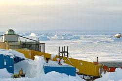 基地の除雪作業