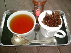 自分で育てた茶葉でいれた紅茶