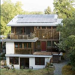 この家は自然林の利用で冷房要らず