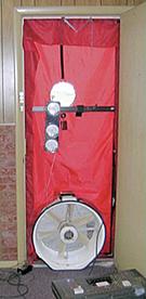 ドアの密封性のテスト風景