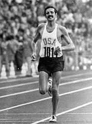 1972 年ミュンヘンオリンピックで金メダルをとった時のフランク・ショーター(photo by Daily Camera)