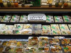 アガベを使用した総菜が人気(写真提供:鉄平オーガニクス)