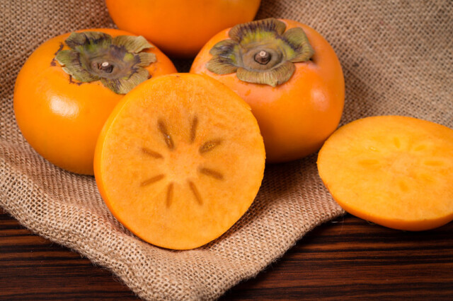 たるみ肌対策におすすめ!柿の嬉しい栄養と食べ方