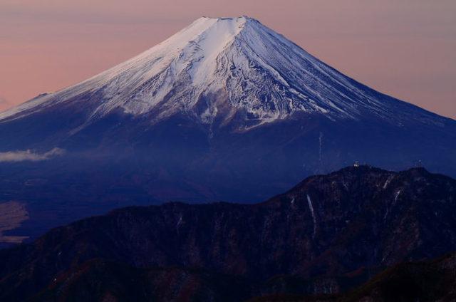 雁ヶ腹摺山|たった1時間で富士の絶景!おすすめ登山コース情報