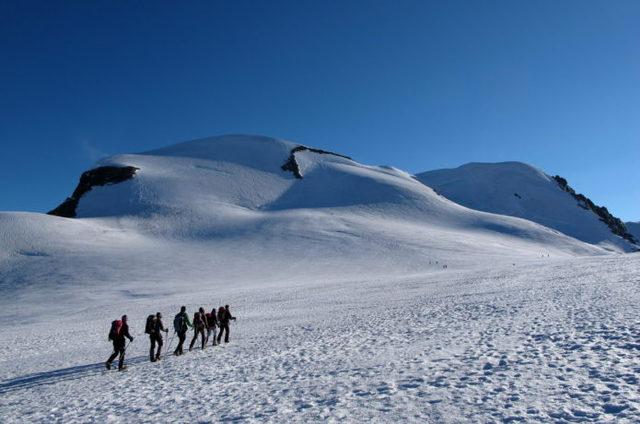 重要なのは暖かさだけ?冬用登山パンツの選び方
