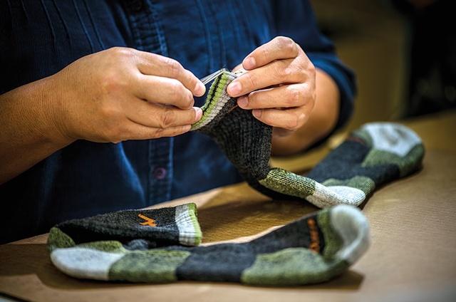 一生履ける靴下「ダーンタフ」!靴下が消耗品の時代はもう終わり!?