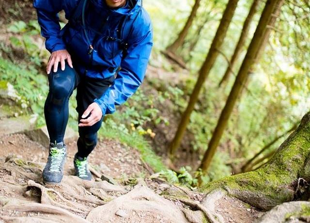 e84739d98cf51 登山タイツには2種類ある?おすすめモデルと正しい使い方【男女別 ...