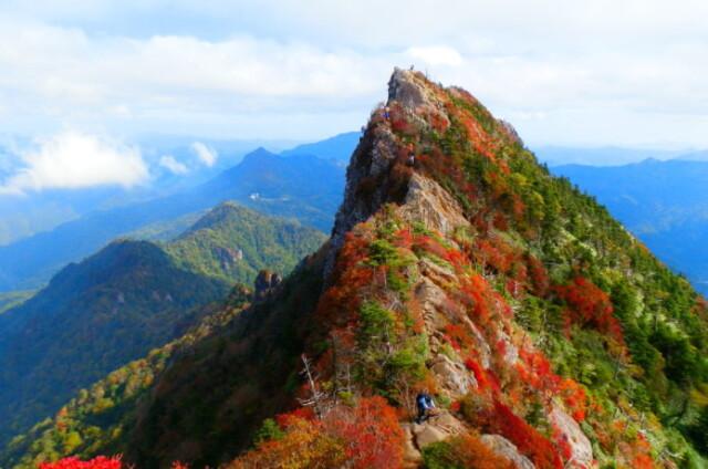 西日本最高峰・石鎚山で見る絶景紅葉!