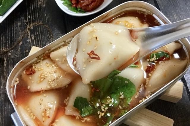 寒い日はやっぱり辛ウマごはん!チゲ風スープ餃子【目指せメスティンマニア!レシピ#15】