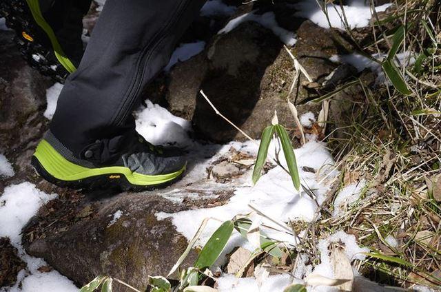 冬の低山ハイクには、雪道もトレイルも行ける『ウィンターブーツ』を推したい!