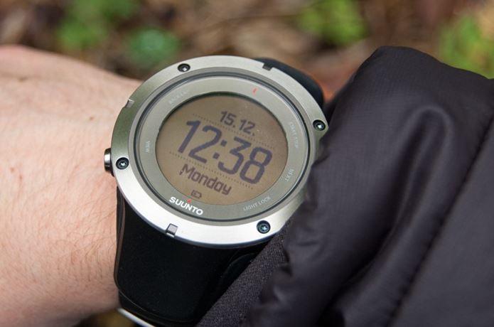 save off 66ec7 edfb8 知らないなんて損してる!人気の登山時計やカメラを今買うとお得 ...