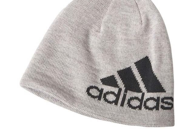人気ブランド【アディダス】のニット帽!ロゴサイズで選んでコーデしよう